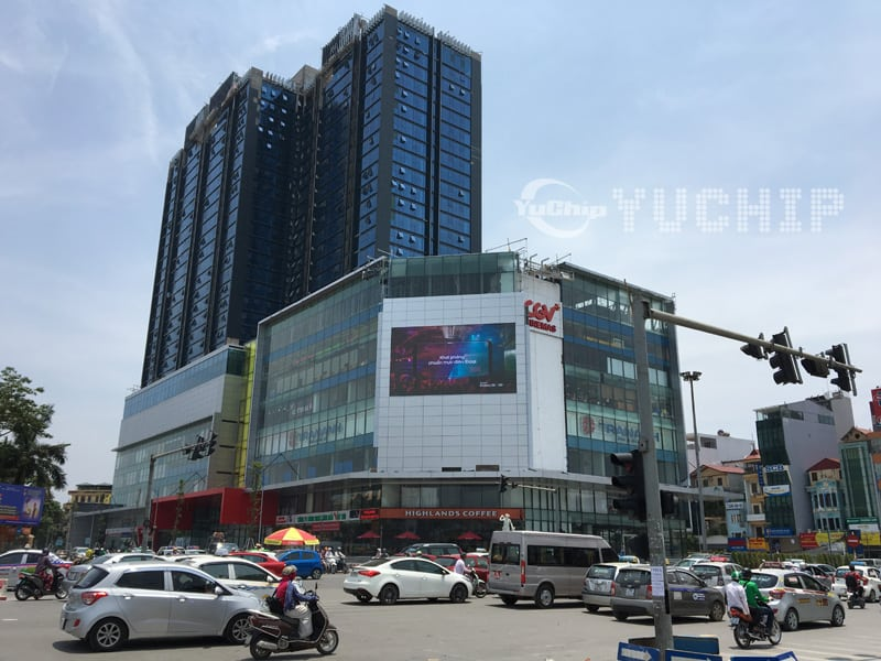 The Biggest Outdoor HD LED Display in 140sqm Vietnam From YUCHIP