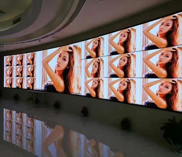 Hotel Digital Signage