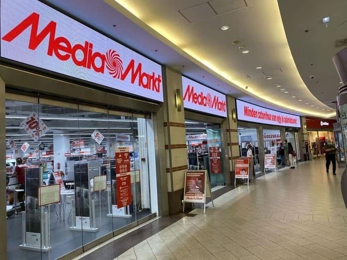 Media Mart Store And Digital Signages